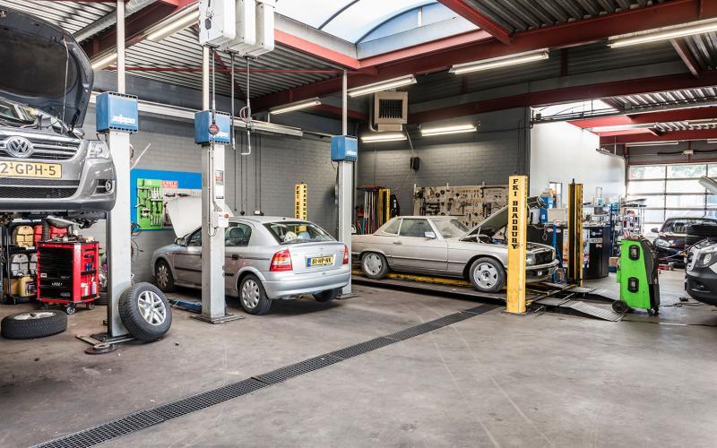 Bosch car service Auto Vlassak in Budel